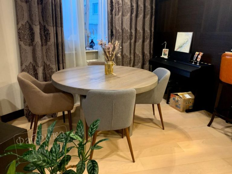 Круглый стол лофт дома