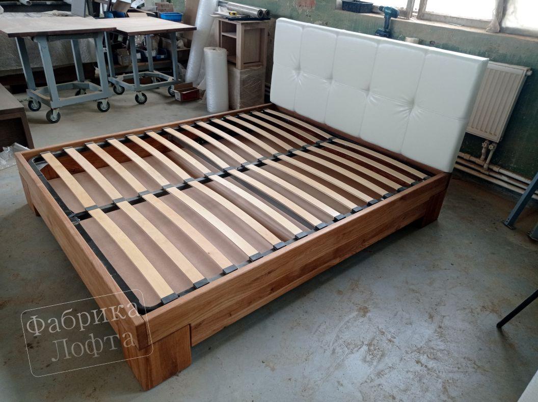 """Кровать из массива дуба """"Скенленд""""лот 2230 с мягкой спинкой"""